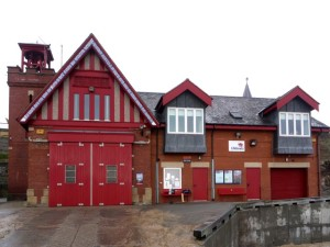 Cullercoats_Lifeboat_Station_-_geograph.org.uk_-_1634016